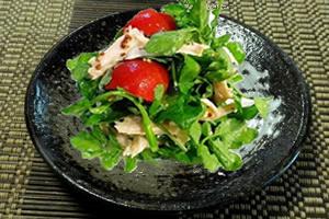 クレソンのレシピ-クレソンとサラミのサラダ